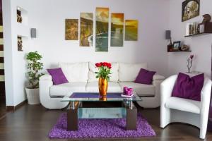 8. Die Wände im Wohnzimer gestalten